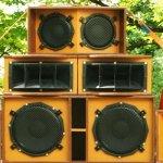 Por qué no deberías utilizar arreglos en paralelo de cajas acústicas